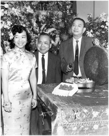 the cultural assimilation of american immigrants In addition, maniwatana (1982) studied the cross cultural communication and  friendship patterns among thai immigrants in assimilation to american society,.